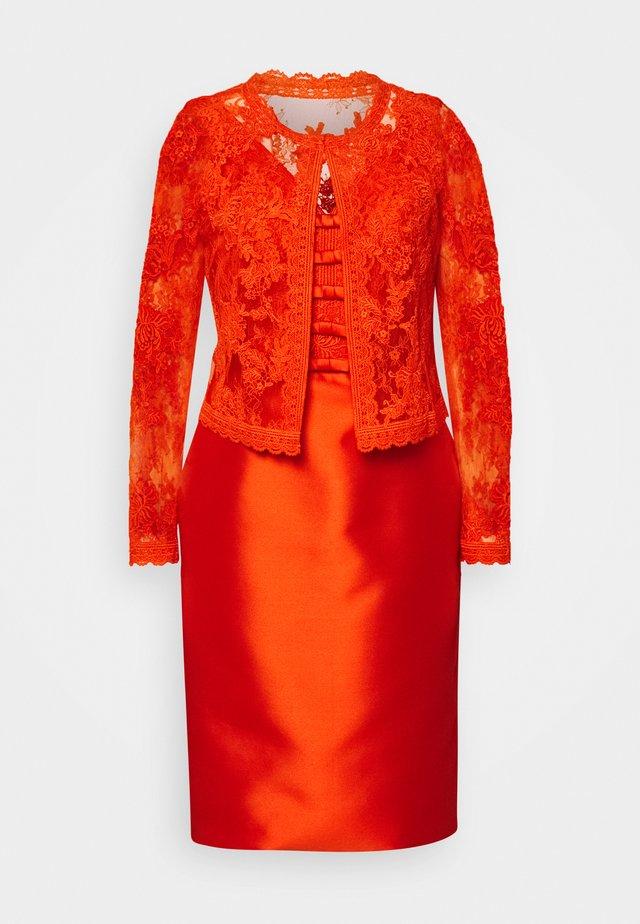 JADARA - Vestito elegante - lava red