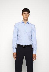 HUGO - KASON - Formal shirt - light/pastel blue - 0