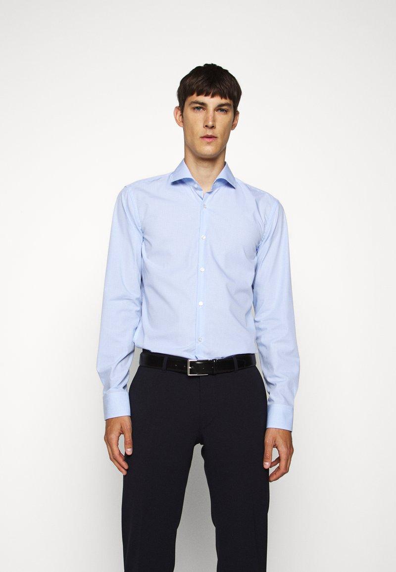 HUGO - KASON - Formal shirt - light/pastel blue
