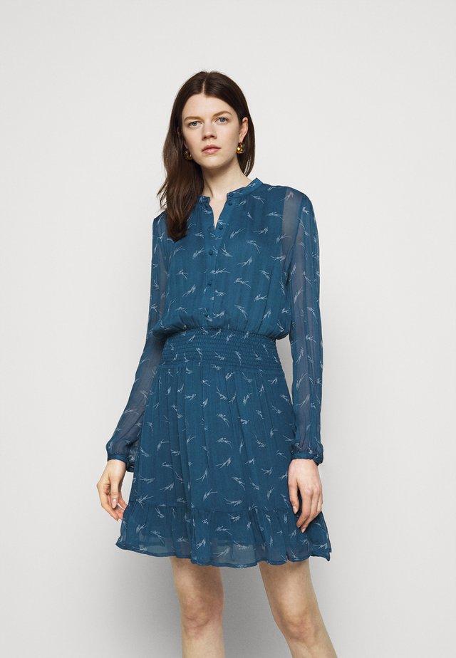 SIG LOGO PRINT DRESS - Shirt dress - river blue
