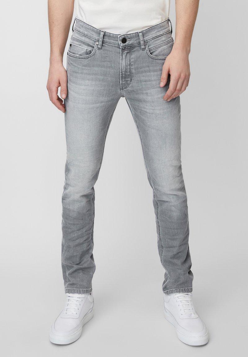Marc O'Polo DENIM - VIDAR  - Slim fit jeans - grey