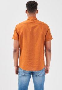 BONOBO Jeans - Camicia - jaune moutarde - 2
