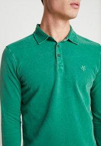 Marc O'Polo - LONG SLEEVE - Polo shirt - verdant green - 5