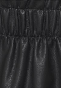 Vero Moda - VMGWENRILEY PAPERBAG SKIRT - Mini skirt - black - 2