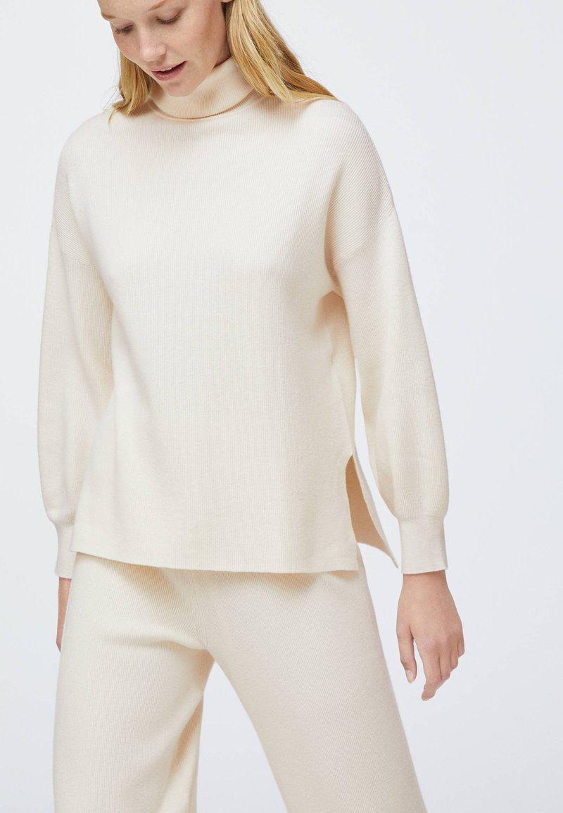 OYSHO - Jumper - white