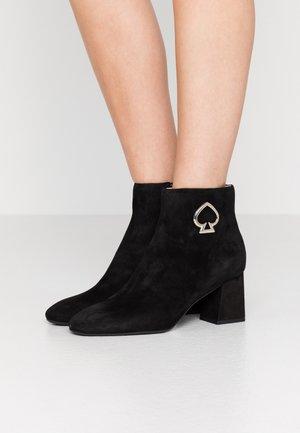 ALIHANDRA - Kotníková obuv - black