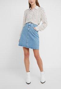 CLOSED - IBBIE - A-line skirt - mid blue - 0