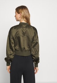 ONLY - ONLJACKIE CROPPED JACKET  - Bomber Jacket - forest night - 2