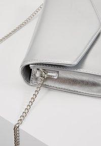 Even&Odd - Across body bag - silver - 3
