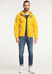 Schmuddelwedda - Light jacket - senf melange - 1