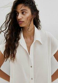 Massimo Dutti - KURZÄRMELIGES  - Shirt dress - white - 2