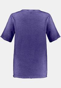 Ulla Popken - Basic T-shirt - ultraviolett - 2