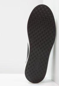 ECCO - SOFT LADIES - Sneakersy niskie - black - 5