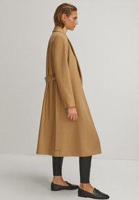 Massimo Dutti - Płaszcz wełniany /Płaszcz klasyczny - beige - 1