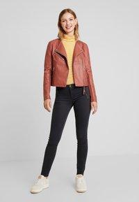 Vero Moda - RIAFAV SHORT JACKET - Faux leather jacket - mahogany - 1