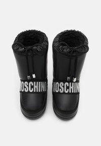 MOSCHINO - Zimní obuv - black - 3
