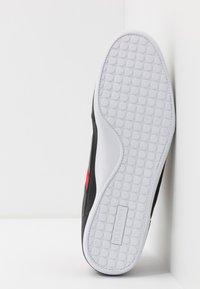 Lacoste - CHAYMON - Sneakersy niskie - black/red - 4