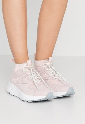 HORIZON RUNN - Sneakers high - rose