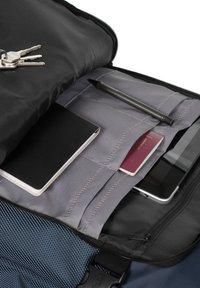 Eastpak - Wheeled suitcase - cnnct navy - 3