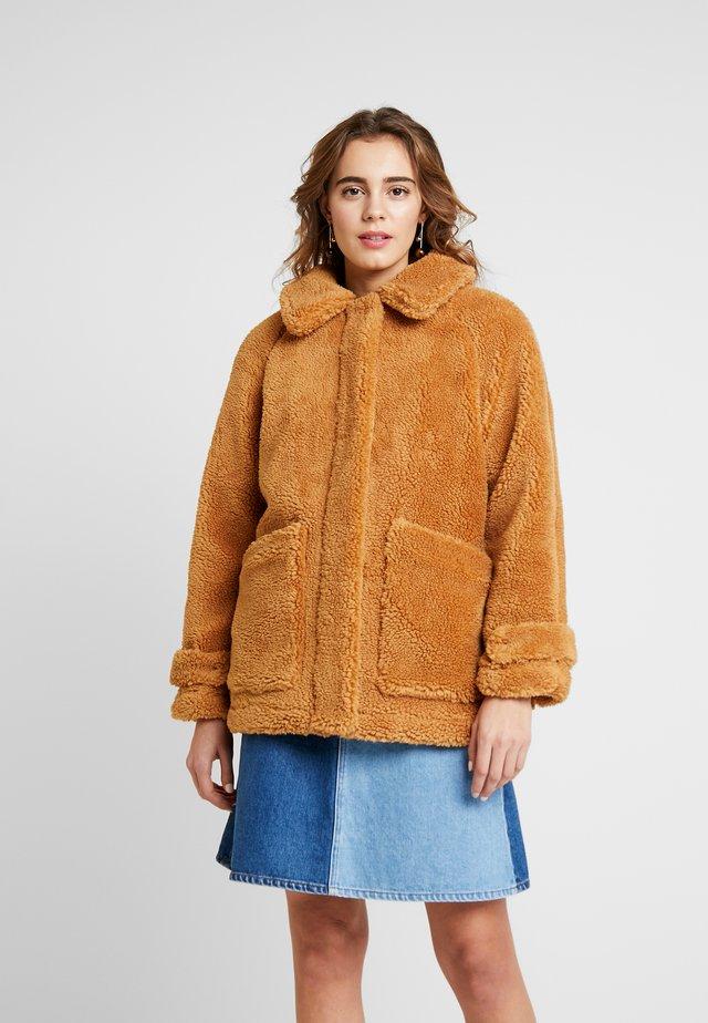 BOURNE BORG - Winterjas - camel