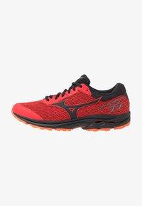 Mizuno - WAVE RIDER TT - Løbesko trail - high risk red/black/red orange - 0