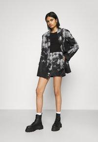 Jaded London - BUTTON FRONT SUIT SKIRT BLEACH CHECK - Mini skirt - multi - 1