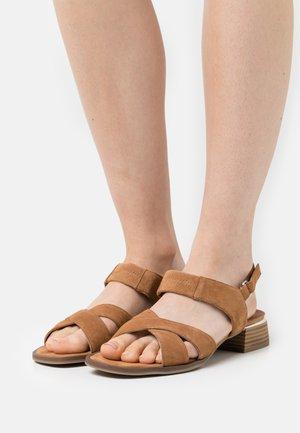 Sandals - hazelnut