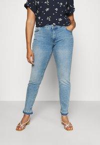 Zizzi - JCLARA EMILY JEANS - Jeans Skinny Fit - blue denim - 0