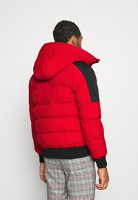 Kings Will Dream - PUFFER BOMBER JACKET - Winterjas - red - 3