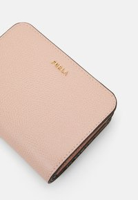 Furla - BABYLON COMPACT WALLET - Wallet - candy rose - 5