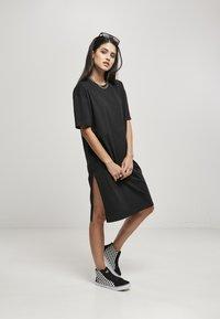 Urban Classics - Denní šaty - schwarz - 1