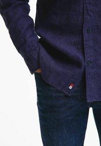 Tommy Hilfiger - SLIM FIT - Shirt - marine - 1