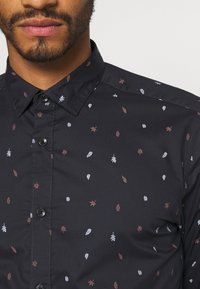 Only & Sons - ONSSANE DITSY POPLIN - Shirt - dark navy - 5