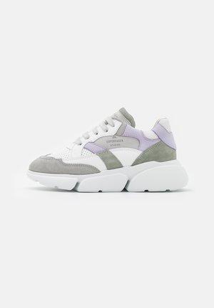 CPH555 - Trainers - white