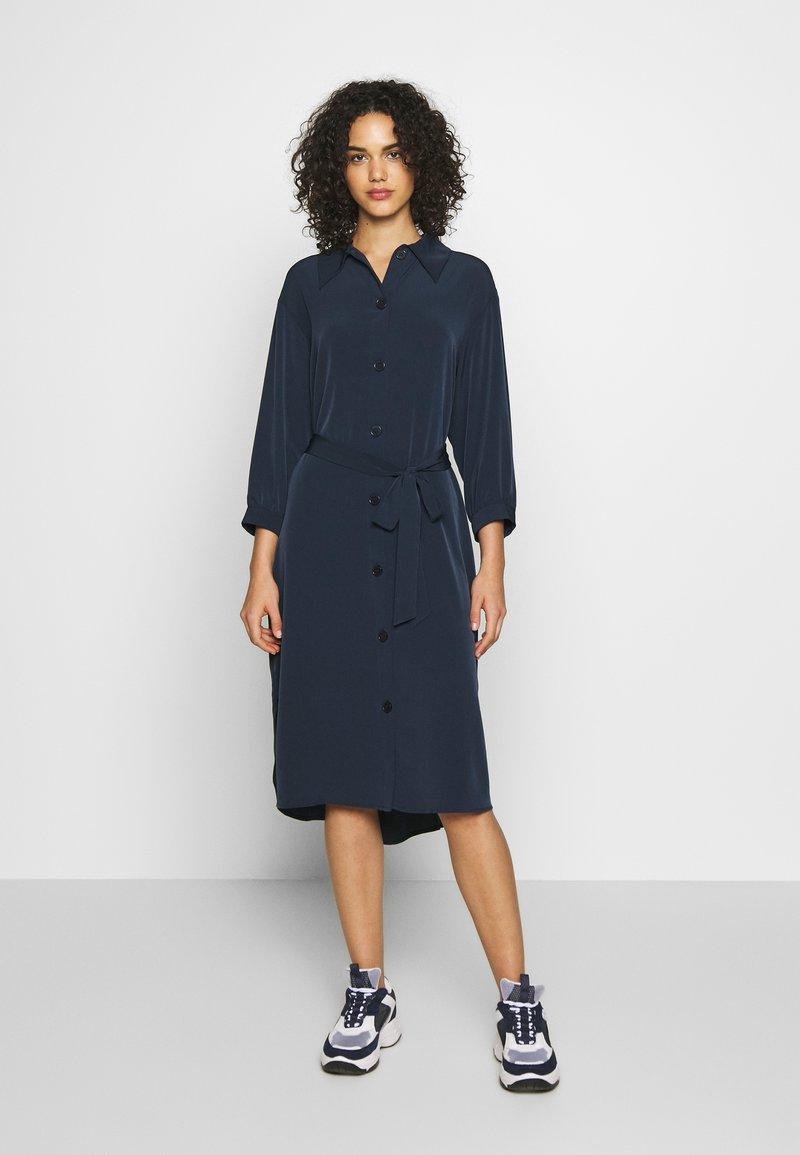 Monki - VALENTINA DRESS - Skjortekjole - blue