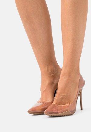 SCULPTCLEAR - High heels - bone