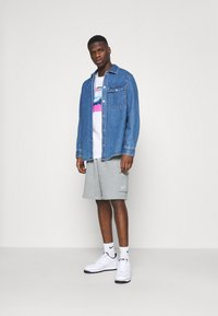 Nike Sportswear - CLUB CARGO - Teplákové kalhoty - dark grey heather - 1