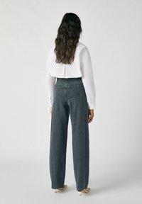 PULL&BEAR - Jeans a zampa - black - 2