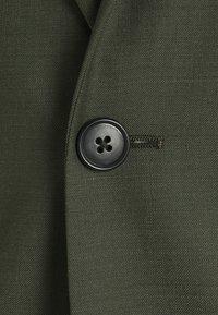 Tiger of Sweden - JULES SET - Suit - scarab green - 8