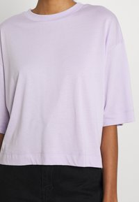 EDITED - SILA - Basic T-shirt - pastel lilac - 5