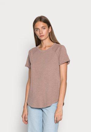 GREAT WOMAN - T-shirt print - rosewood