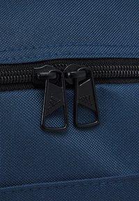adidas Performance - LINEAR DUFFEL S UNISEX - Treningsbag - crew navy/black/white - 4