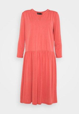 ANITRA DRESS - Jersey dress - cardinal