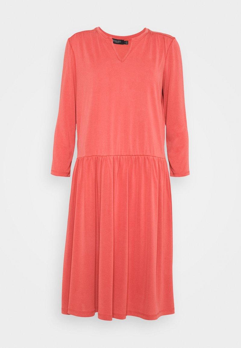 Soaked in Luxury - ANITRA DRESS - Jersey dress - cardinal