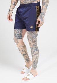 SIKSILK - CRUSHED TAPE - Shorts - navy/gold - 4