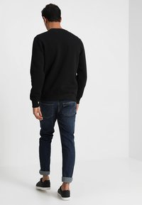 Alpha Industries - BASIC SMALL LOGO - Sweatshirt - black - 2