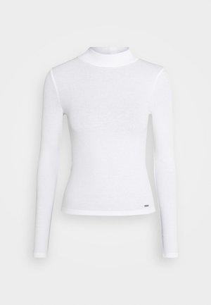 SLIM MOCKNECK - Long sleeved top - white