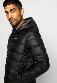 Patagonia - HOODY - Down jacket - black - 3