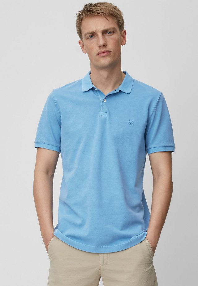 MARC O'POLO KURZARM-POLO-SHIRT PIQUÉ SHAPED AUS ORGANIC COTTON - Polo shirt - riviera