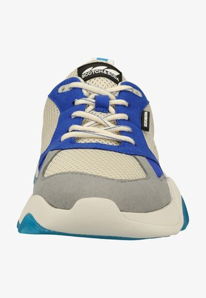 Trainers - blue razz s685